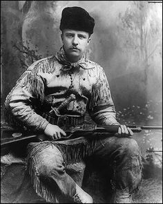 Theodore Roosevelt as the Bad Lands hunter. Theodore Roosevelt is seen with his highly-decorated deer-skin hunting suit and Tiffany-carved hunting knife and rifle Theodore Roosevelt, Roosevelt Family, Roosevelt Quotes, President Roosevelt, Alice Roosevelt, American Presidents, Us Presidents, Us History, American History