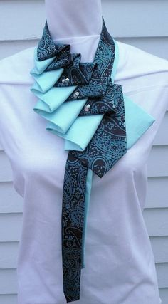 Paisley Silk ruffle tie scarf in teal and by TiedToPerfectionNH Fabric Necklace, Fabric Jewelry, Tie Crafts, Sewing Crafts, Tissu Neoprene, Old Ties, Tie Styles, Fabric Manipulation, Diy Clothing