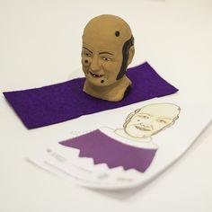 Maquetació de les instruccions per muntar un titella de dit creat per Ventura Cartoons. Client: Museu de l'Empordà.