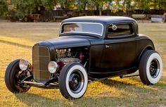 1932 Ford Street Rod #ClassicCars #CTins #vintage