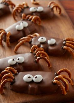 Add pretzel legs to REESE'S Peanut Butter Pumpkins and garnish with candy eyes.  Print REESE'S Peanut Butter Pumpkin Spider Recipe Ingredients 8 REESE'S Peanut Butter Pumpkins 1.2 oz. each 32 Large pretzel twists 2-1/2 to 3 in. 1/4 cup HERSHEY'S Milk Chocolate Chips HERSHEY'S SPECIAL DARK Chocolate Chips or HERSHEY'S Semi-Sweet Chocolate Chips* …