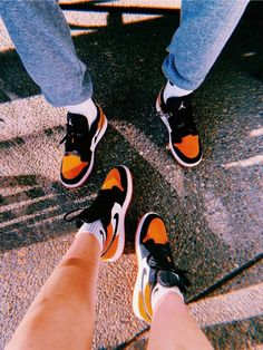 Matching Shoes For Couples, Cute Couples, Swag Shoes, Nike Kicks, Matching Couple Outfits, Nike Air Shoes, Pretty Black Girls, Hype Shoes, Dream Shoes