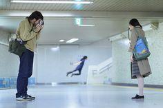 Natsumi Hayashiさんの浮遊写真。  撮り方どうこうじゃなくて、ホントは浮いてるのだと思う。