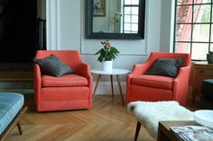 Amazing and Unique Tricks Can Change Your Life: Upholstery Living Room Products upholstery tutorial awesome.Upholstery Bench How To Make grey upholstery fabric. Paint Upholstery, Living Room Upholstery, Upholstery Repair, Upholstered Furniture, Tufted Headboards, Upholstery Cleaner, Furniture Nyc, Furniture Projects, Luxury Furniture