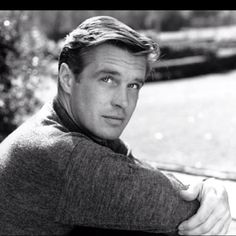 George Peppard <3 the lead hunk in Breakfast at Tiffanys and Hannibal Smith in the A-Team, sigh