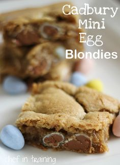 Cadbury Mini Egg Blondies! LOVE Cadbury Eggs and these blondies are SO delicious! chef-in-training.com