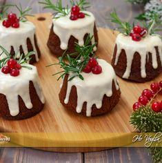 Christmas Food Gifts, Xmas Food, Christmas Cupcakes, Christmas Sweets, Holiday Desserts, Mini Cakes, Cupcake Cakes, Sweet Recipes, Cake Recipes
