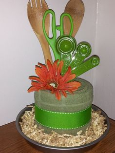 Mini Kitchen Towel Cake by MookieCakes Bunco Prizes, Game Prizes, Homemade Gifts, Diy Gifts, Kitchen Towel Cakes, Wedding Towel Cakes, Diy Gift Baskets, Raffle Baskets, Basket Gift