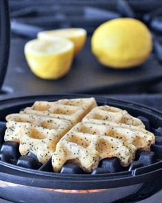 Lemon Poppyseed Waffles Vegan Gluten Free - these lemony light and bright waffles are both crispy and fluffy - perfect for weekend brunch! Sin Gluten, Vegan Gluten Free, Gluten Free Recipes, Vegan Recipes, Paleo, Dairy Free, Vegan Foods, Vegan Dishes, Vegan Sweets