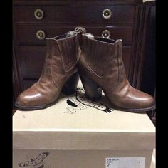 Freebird Women's Morgan Boot. Excellent condition. Leather, round-toe and distressed heel. Still in original box. I normally wear a 7.5 and had to go down a size. Steven by Steve Madden Shoes Ankle Boots & Booties