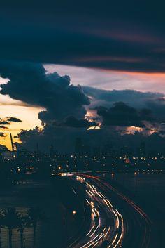 motivationsforlife:  Miami Beach Sunsets by @collingrayphoto // MFL Follow the amazing photographer @collingrayphoto
