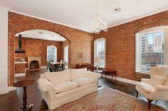 都心の人口増加により、アパートの狭小化や家賃の高騰が、深刻な問題となっているニューヨークシティ。 そこで、土地がないならビルの屋上に家を建てちゃえ ! という人も多いようで、屋上に一戸建てを持つことは憧れの的でもあるよう …