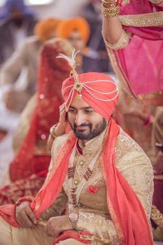 Groom Wear - The Groom Jaijeet! Groom Wedding Dress, Sikh Wedding, Wedding Suits, Wedding Couples, Wedding Photos, Punjabi Wedding, Wedding Blog, Wedding Ideas, Wedding Men