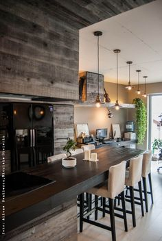 i just love the look and feeling for this apartment - industrial Bucharest, Apartment Design, Interior Inspiration, Ideal Home, Sweet Home, Bar, Interior Design, Metal, Table