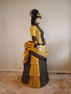 Victorian Day Dress side