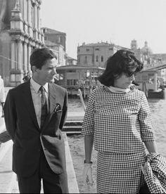 Pier Paolo Pasolini e Anna Magnani Anna Magnani, Sky Cinema, Pier Paolo Pasolini, Interesting Faces, Scandal, Military, Actors, Couple Photos, Writers