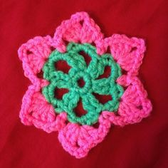janiceogata Motif from the book Crochet Motifs by Edie Eckman #motif #crochet #crochetersofinstagram #crochetaddict #green #pink