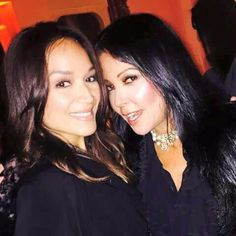 Two of Prince's Protégées Mayte Garcia and Apollonia Kotero Meet.  They look like they get along well, T.