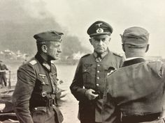 commander of the 17th Army, colonel general Richard Ruoff (center) at the battles for Rostov-on-the Don.  1942.