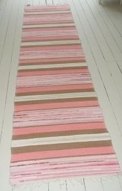 A really lovely handwoven rug. Soft pinks and browns used, creating a sence of calm. Shop our full collection of Rugs here at Vinterior Recycled Fabric, Woven Rug, Scandinavian Style, Vintage Rugs, Vintage Designs, Pattern Design, Hand Weaving, Outdoor Blanket, Rag Rugs