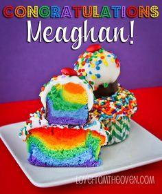 Rainbow Cupcake with Rainbow Cake Pop on Top Pudding Icing, Rainbow Cake Pops, Baby Nursery Diy, Cake Truffles, Mini Pies, Pie Cake, Baby First Birthday, Cake Smash, Shower Ideas