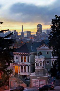 San Francisco skyline in the distance. Dusk in San Francisco is beautiful! San Francisco City, San Francisco California, San Francisco Skyline, California Usa, Oh The Places You'll Go, Places To Travel, Places To Visit, Wonderful Places, Beautiful Places