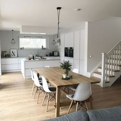 50 Beautiful Scandinavian Dining Room Design Ideas - Now it is easy to dine in style with traditional Swedish dining chairs. Entertain friends as well as show off your wonderful Swedish home furniture. Open Plan Kitchen Living Room, Home Decor Kitchen, Kitchen Interior, Home Kitchens, Nordic Kitchen, Dining Room Design, Interior Design Living Room, Minimalist Dining Room, Modern Minimalist
