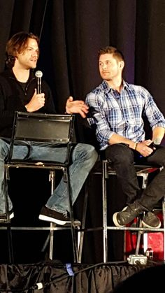 #njcon GAH they both look gorgeous! And Jared looks like he's gained some weight back :)