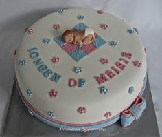 Alexandra's Droomtaartjes: Gender reveal cake / geslacht onthullings taart / Gender reveal taart