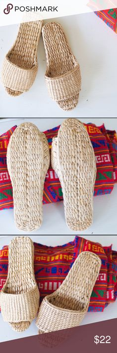 "Vintage straw sandals/slippers - festival style Vintage woven all straw slippers / sandals. Boho Coachella /festival style. Awesome condition,  looks only to be worn a handful of times. Maybe Size 9-9.5? length from toe to heel is 10.25"" Vintage Shoes Sandals"