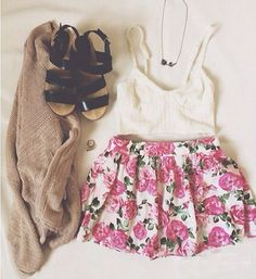 awesome Daily New Fashion : Floral Shorts I Love Fashion, Teen Fashion, Passion For Fashion, Fashion Outfits, Womens Fashion, Spring Summer Fashion, Spring Outfits, Spring Ootd, Estilo Hippie