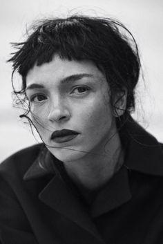 Chop | Extra short tousled bangs. Wisps framing face. | Source: thegiftsoflife, via tarafirma