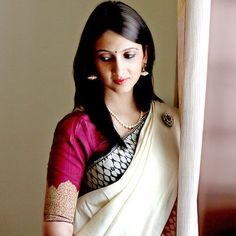 Idea to make you stand out - A simple saree, worn with a blouse that contrasts sharply. #wow #weddingidea #indianwedding