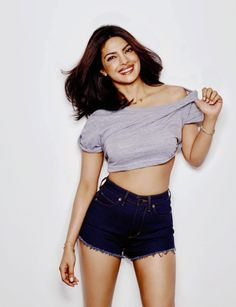 sitaron mein le chalo — Priyanka Chopra for Women's Health, November 2016 Actress Priyanka Chopra, Priyanka Chopra Hot, Bollywood Actress, Anushka Sharma, Indian Celebrities, Bollywood Celebrities, Thing 1, Photography Women, Happy Photography