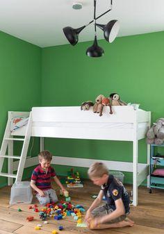 Kinderzimmer in fröhlichen Farben