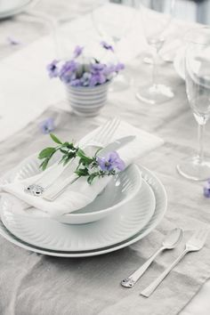 Lovely place setting  www.tablescapesbydesign.com https://www.facebook.com/pages/Tablescapes-By-Design/129811416695