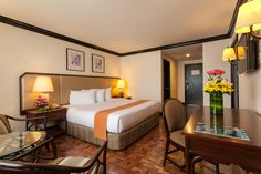 Taal Vista Hotel in Tagaytay: Deluxe Room (Mountain Wing)