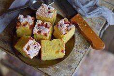 Dédi joghurtos piskótája bögrésen, titkokkal – Rupáner-konyha Hungarian Cake, Baking And Pastry, Cake Recipes, Muffin, Food And Drink, Bread, Cookies, Breakfast, Biscuits