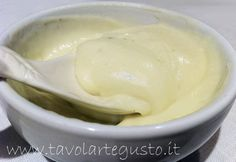bechamel with oil Chutney, Sauces, Bechamel, Pesto, Mousse, Salsa, Cheesecake, Food And Drink, Ice Cream