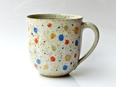 Spotty Mug - Annette Oberwelland Ceramic Pots, Ceramic Pottery, Pottery Pots, The Potter's Wheel, Cool Mugs, Tea Bowls, Pottery Painting, Stoneware, Earthenware