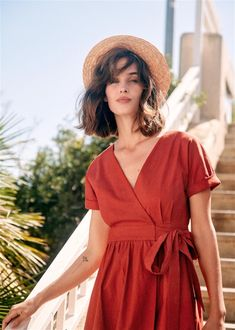 Sézane Terra-cotta Marielle Mid-length Casual Maxi Dress Size 6 (S) Fall Fashion Outfits, Autumn Fashion, Foto Casual, My Hairstyle, Kimono Dress, Parisian Style, The Dress, Dress To Impress, Short Dresses