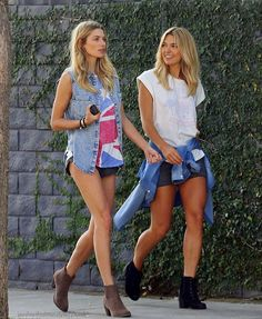 Jessica Hart with her younger sister Ashley Hart, just hanging out.