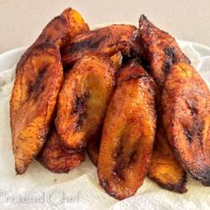 Fried plantain recipe – The Pretend Chef Fried plantains are caramel sweet, a delicious snack, meal or side dish.best for frying, soft but firm and skin will be yellow and black and peel easily. Banane Plantain, Ripe Plantain, Carribean Food, Caribbean Recipes, Mexican Food Recipes, Vegetarian Recipes, Cooking Recipes, Nigerian Food Recipes, Vegan Meals