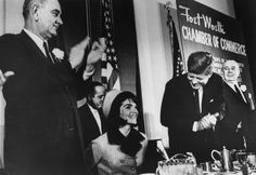 Not Published In LIFE Magazine - Lyndon Johnson With Jackie And John Kennedy Having Breakfast In Forth Worth On The Morning Of Nov. 1963 - Just Hours Before Shots Rang Out & The Long Nightmare Began Jacqueline Kennedy Onassis, Jackie Kennedy, Elvis Presley, Paris France, Stars Du Rock, American First Ladies, Kennedy Assassination, John Junior, John Fitzgerald