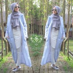 long blue trench jacket hijab- How to wear long tunic with hijab http://www.justtrendygirls.com/how-to-wear-long-tunic-with-hijab/