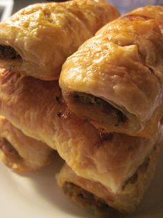 Australian Sausage Rolls (a fancy version - you don't have to have Dijon mustard or carrots! You can add what you want to flavor the meat!) Delicious with tomato sauce (Ketchup) Savory Pastry, Savory Tart, Savoury Pies, Aussie Food, Australian Food, Australian Recipes, Sausage Rolls, Baked Sausage, Gourmet Recipes