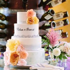 To see more stunning wedding cakes: http://www.modwedding.com/2014/11/17/spoil-guests-incredible-wedding-cakes/  #wedding #weddings #wedding_cake  Photo: S'more Sweets