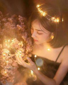 super Ideas for fashion photography women beauty lighting Fairy Light Photography, Fantasy Photography, Photography Women, Creative Photography, Hair Photography, Photography Lighting, Photography Composition, Indian Photography, Photography Gallery