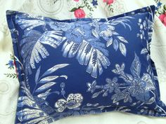 Your place to buy and sell all things handmade Toss Pillows, Bed Pillows, British Colonial Bedroom, Ralph Lauren Fabric, Ebay Shopping, How To Make Pillows, Designer Pillow, Pillow Shams, Fabric Design