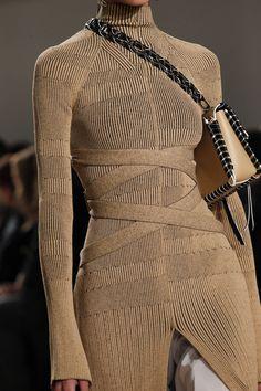 Proenza Schouler Fall 2016 Ready-to-Wear Fashion Show - Proenza Schouler Fall 2016 Ready-to-Wear Accessories Photos – Vogue Source by davnidafni - Foto Fashion, Fashion Week, Runway Fashion, High Fashion, Fashion Show, Fashion Outfits, Womens Fashion, Fashion Trends, Paris Fashion